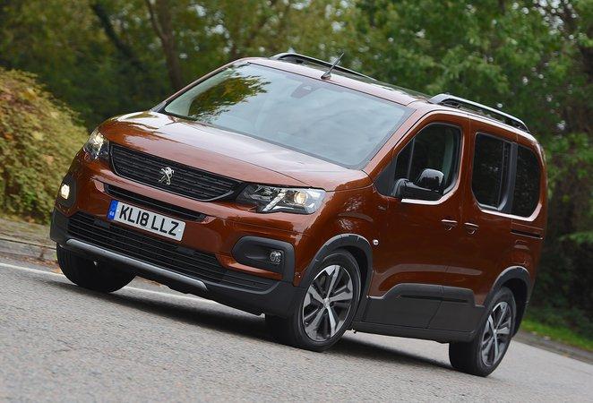 2018 Peugeot Rifter cornering