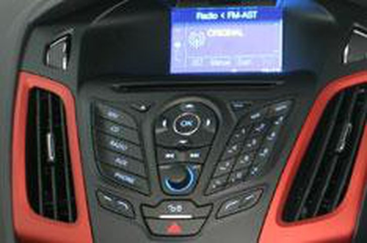 Ford plans DAB for all by 2012