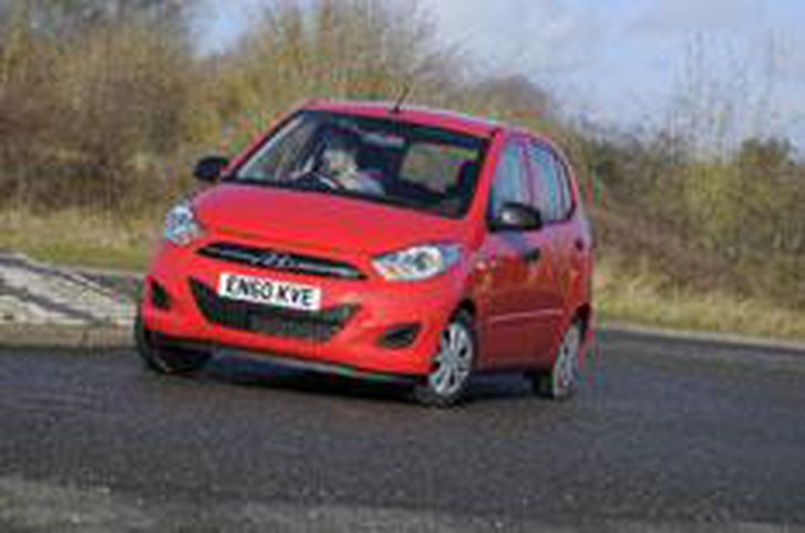 Hyundai i10 face-lift driven