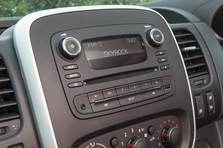 Vauxhall Vivaro stereo