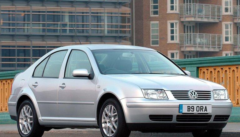 Volkswagen Bora Saloon (99 - 05)