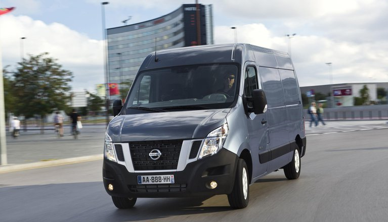 Nissan NV400 action