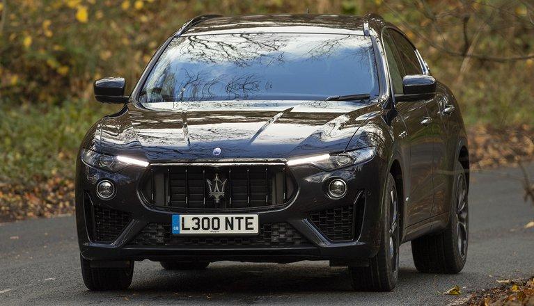 2019 Maserati Levante cornering