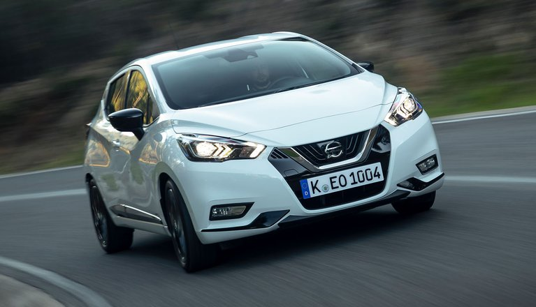 Nissan Micra 2019 front right tracking