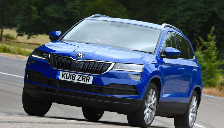 skoda karoq 1 5 tsi se 5dr 2019 review what car. Black Bedroom Furniture Sets. Home Design Ideas