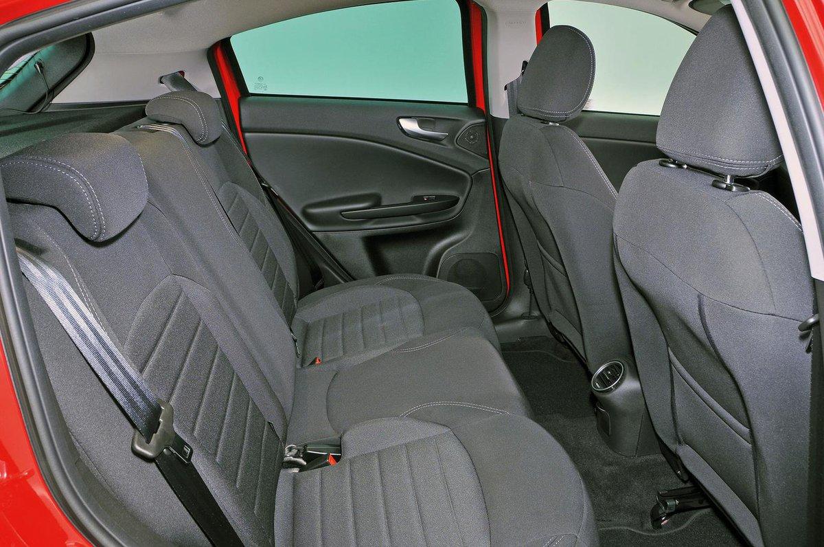 Alfa Romeo Giulietta Boot Space Size Seats What Car