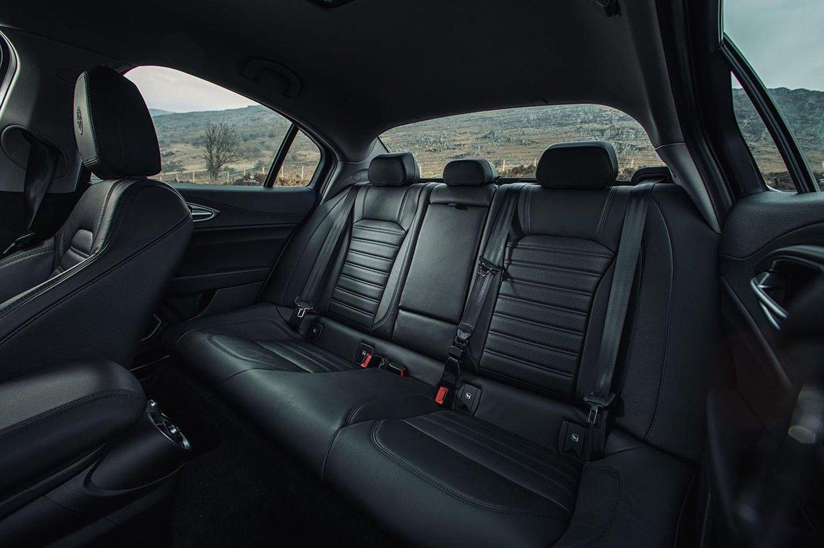 Alfa Romeo Giulia rear seat