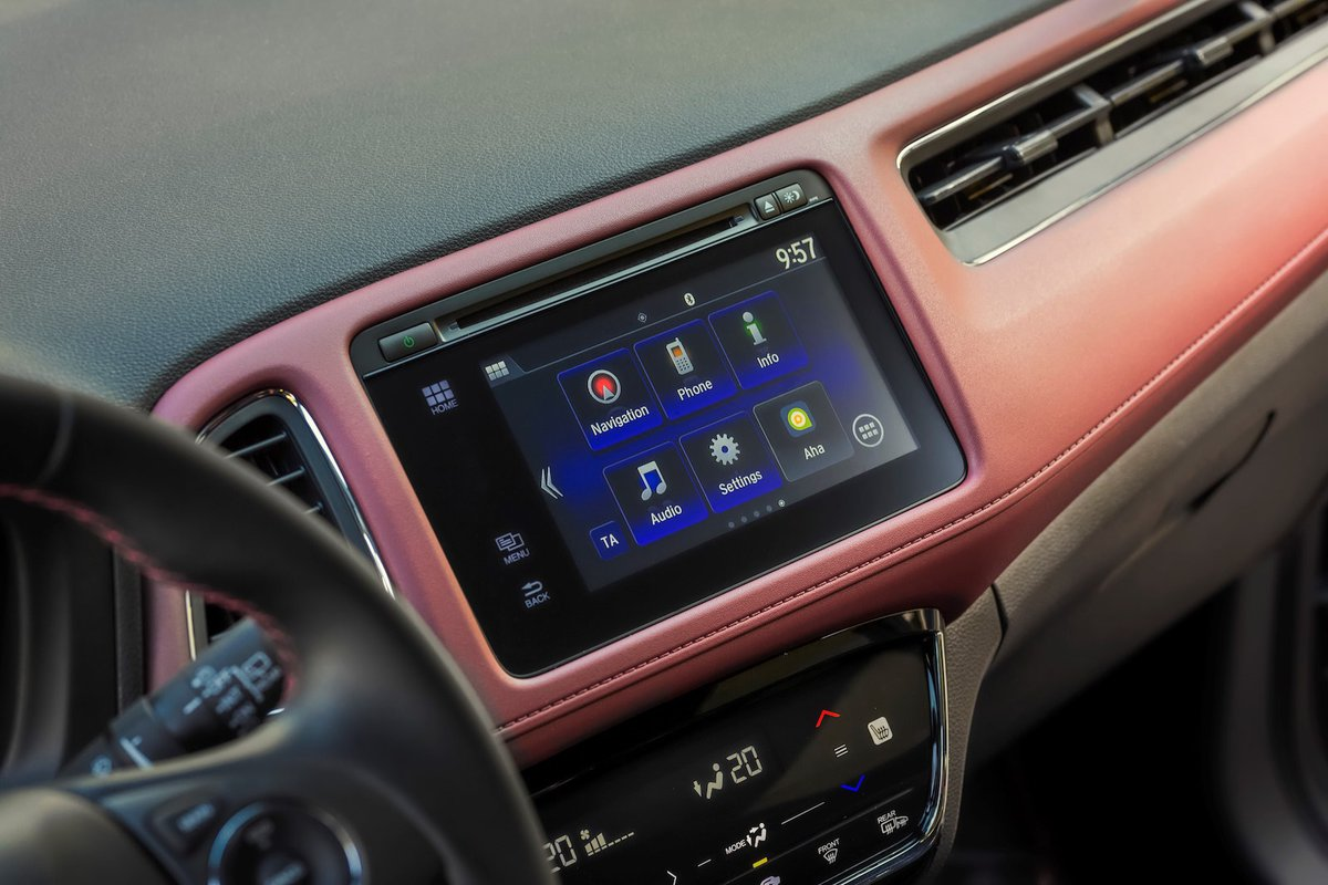 Honda HR-V 2019 infotainment detail