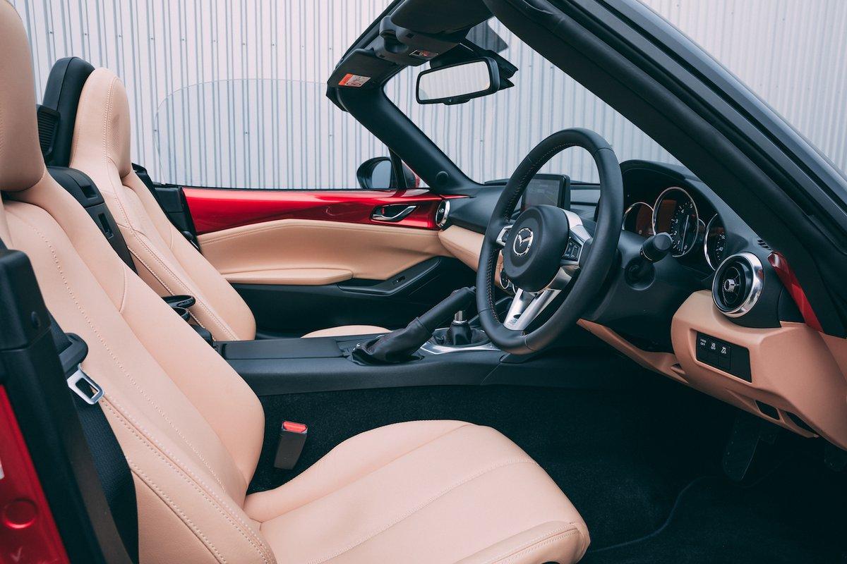 2018 Mazda MX-5 interior