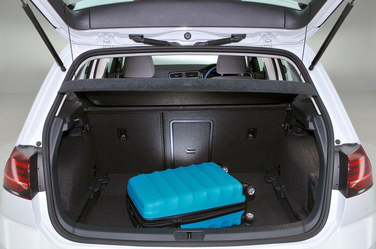 Volkswagen e-Golf boot
