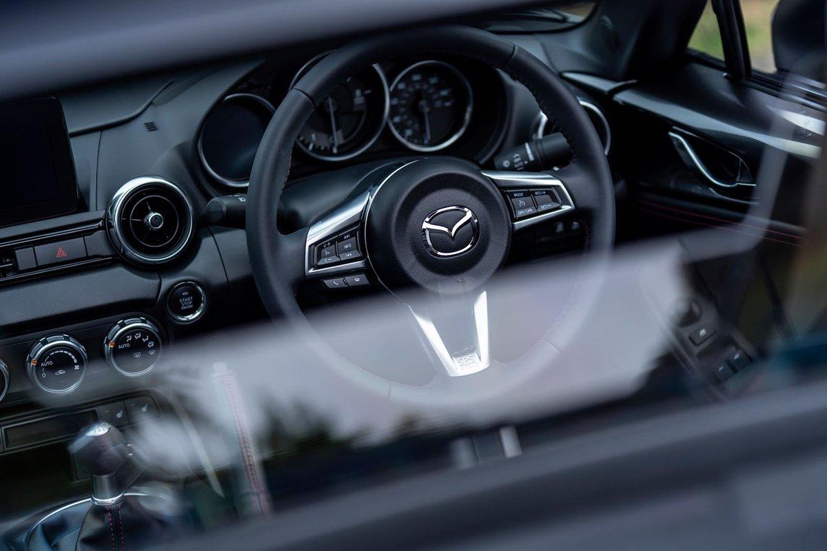 Mazda MX-5 RF dashboard