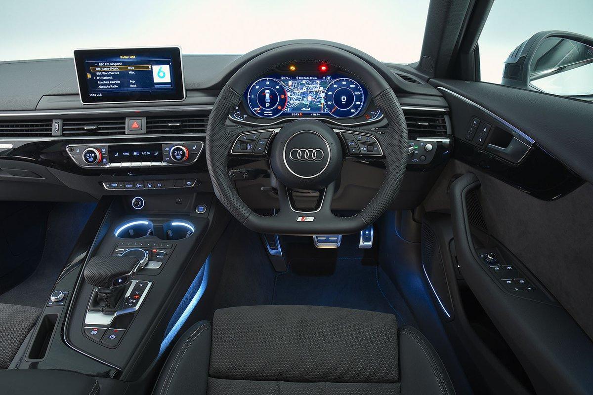 2018 Audi A4 Avant dash