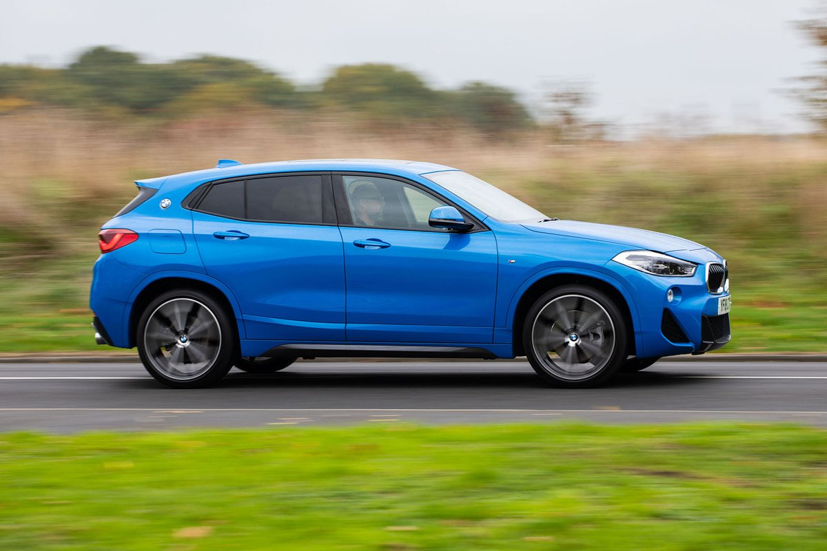 BMW X2 2019 right side tracking shot