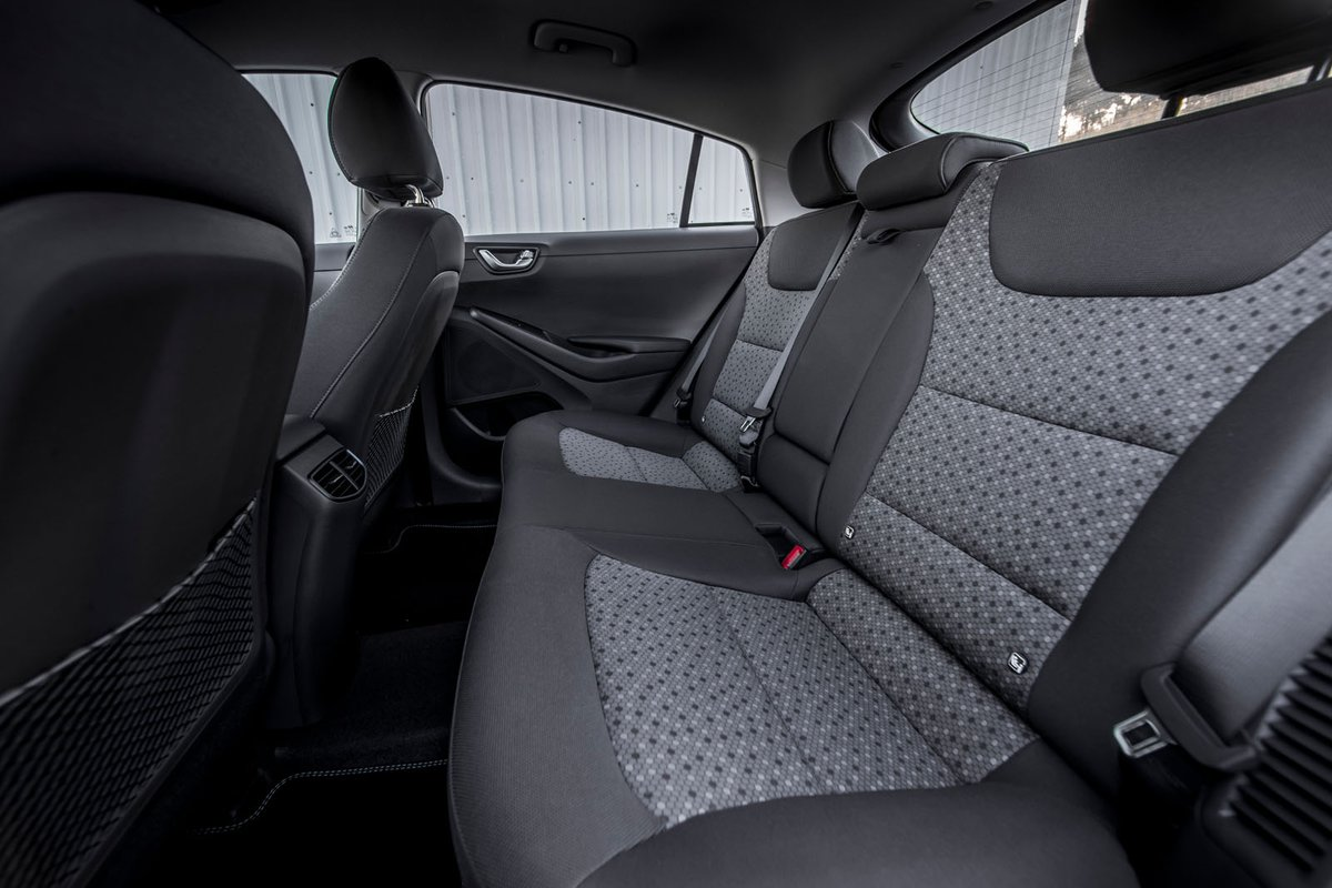 Hyundai Ioniq 2018 rear seats
