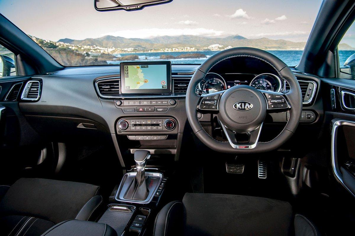 Kia Proceed 2019 RHD dashboard