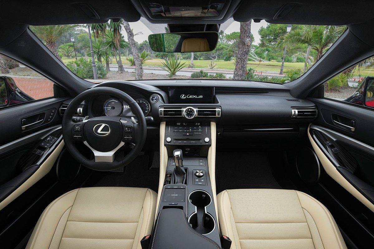 Lexus RC 2019 front interior