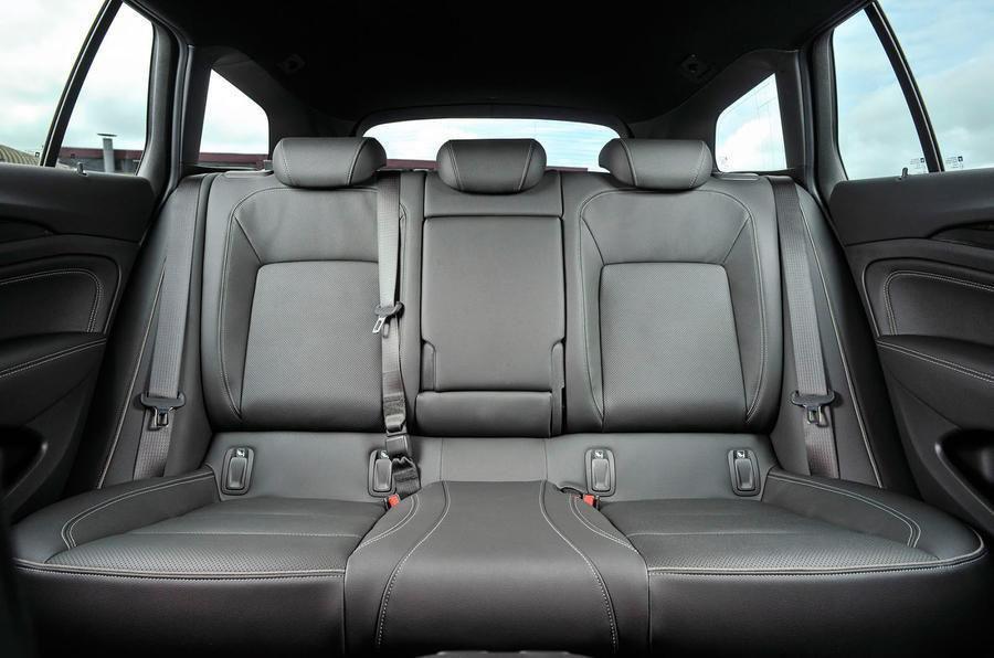Vauxhall Insignia Sports Tourer 2019 rear seats