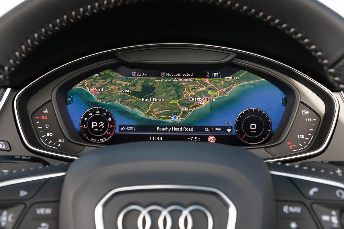 Audi Q5 2019 active cockpit