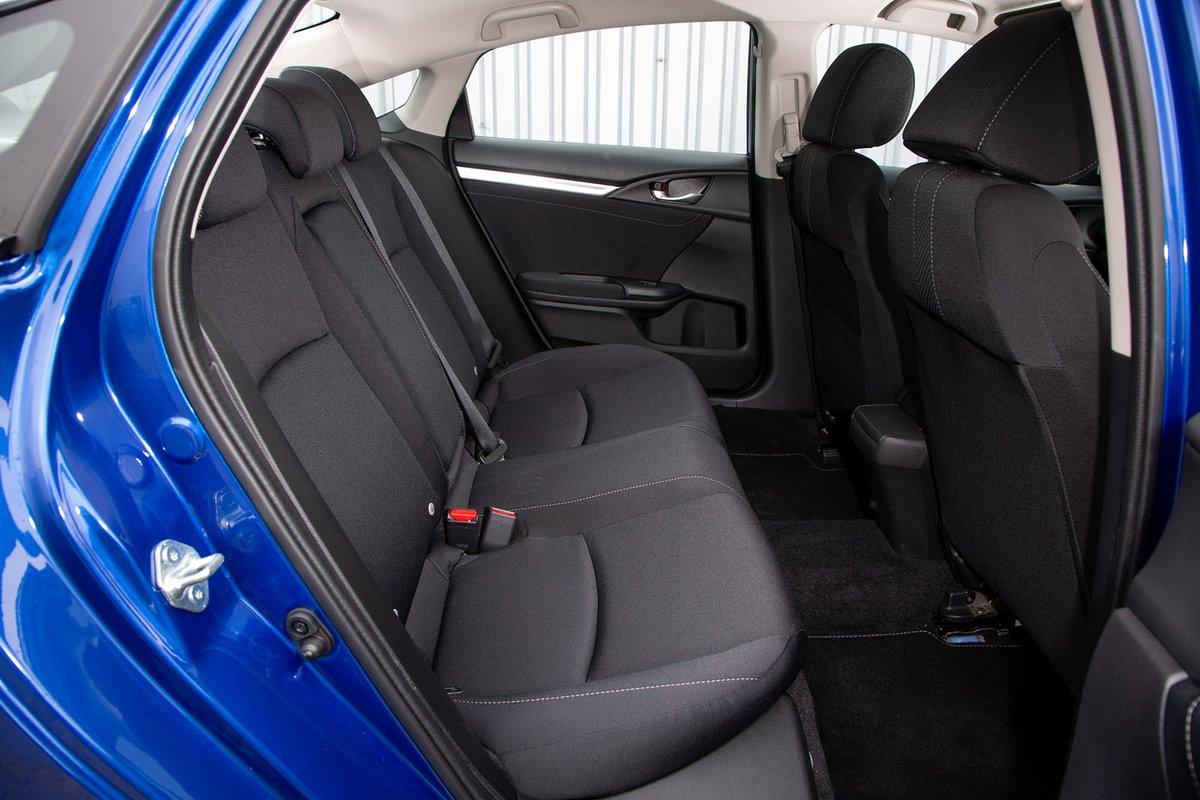 Honda Civic Saloon 2019 right rear seats