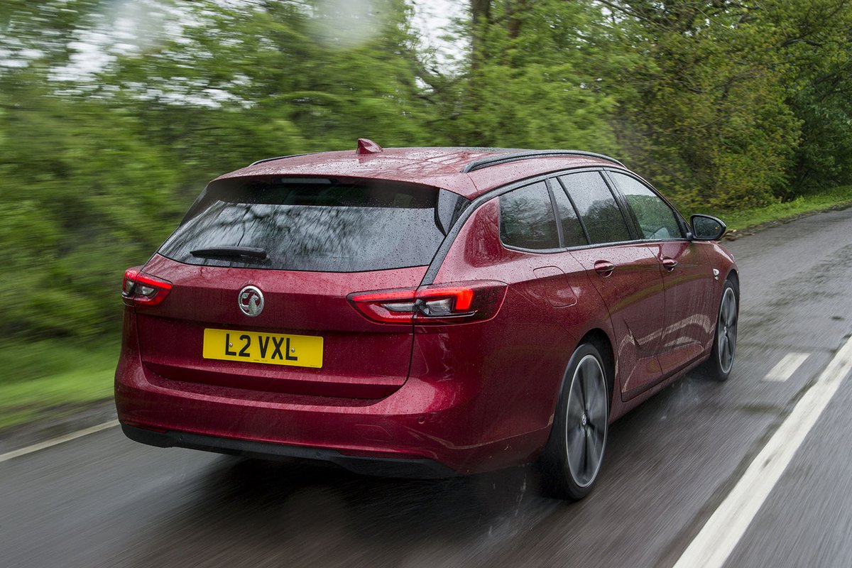 Vauxhall Insignia Sports Tourer 2019 rear tracking
