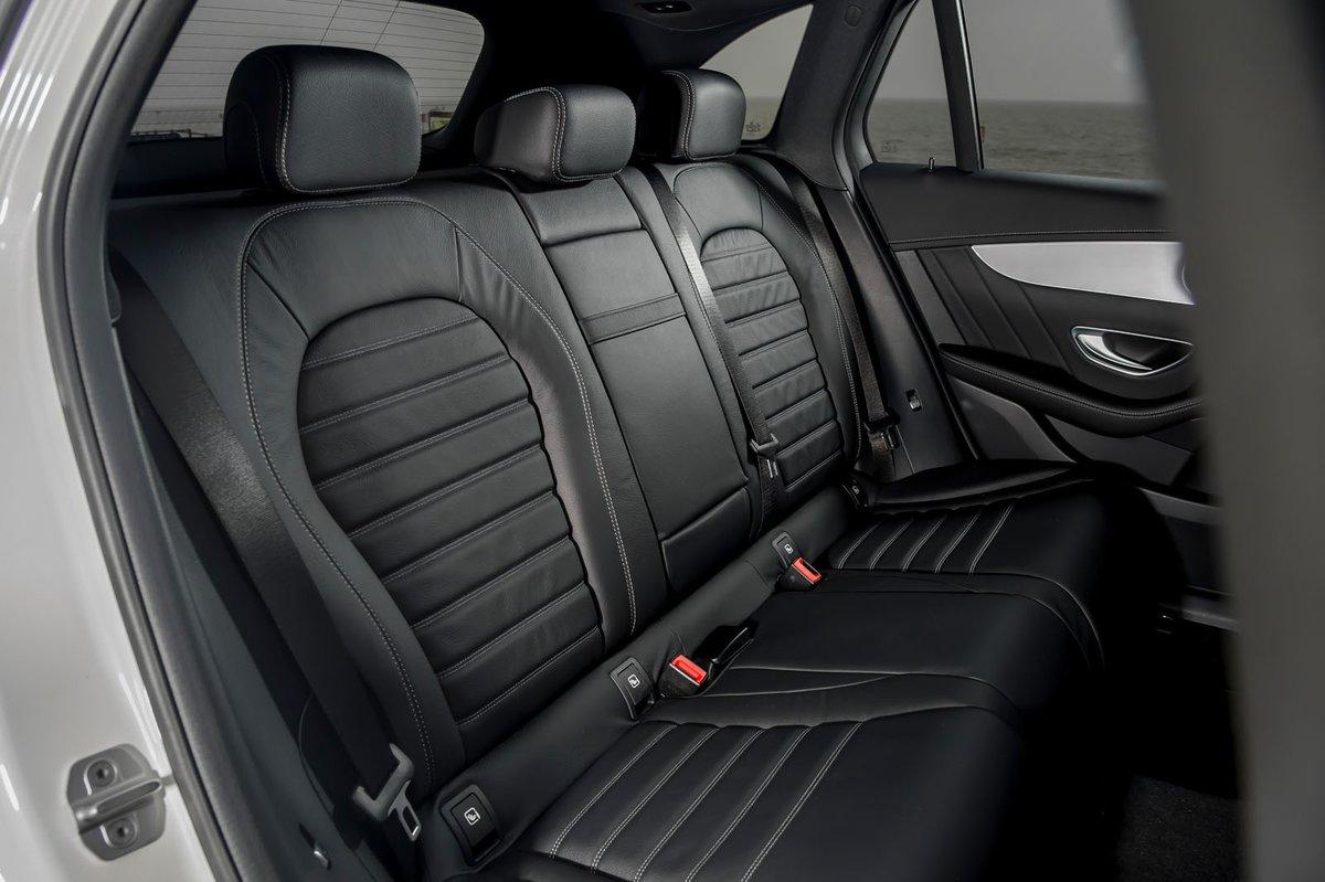 Mercedes GLC 2019 rear seats