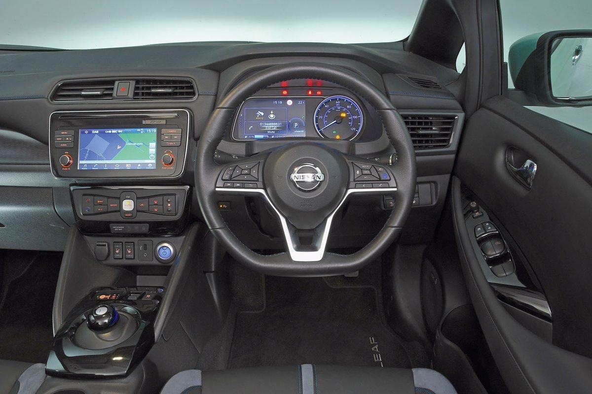 Nissan Leaf 2018 RHD dashboard