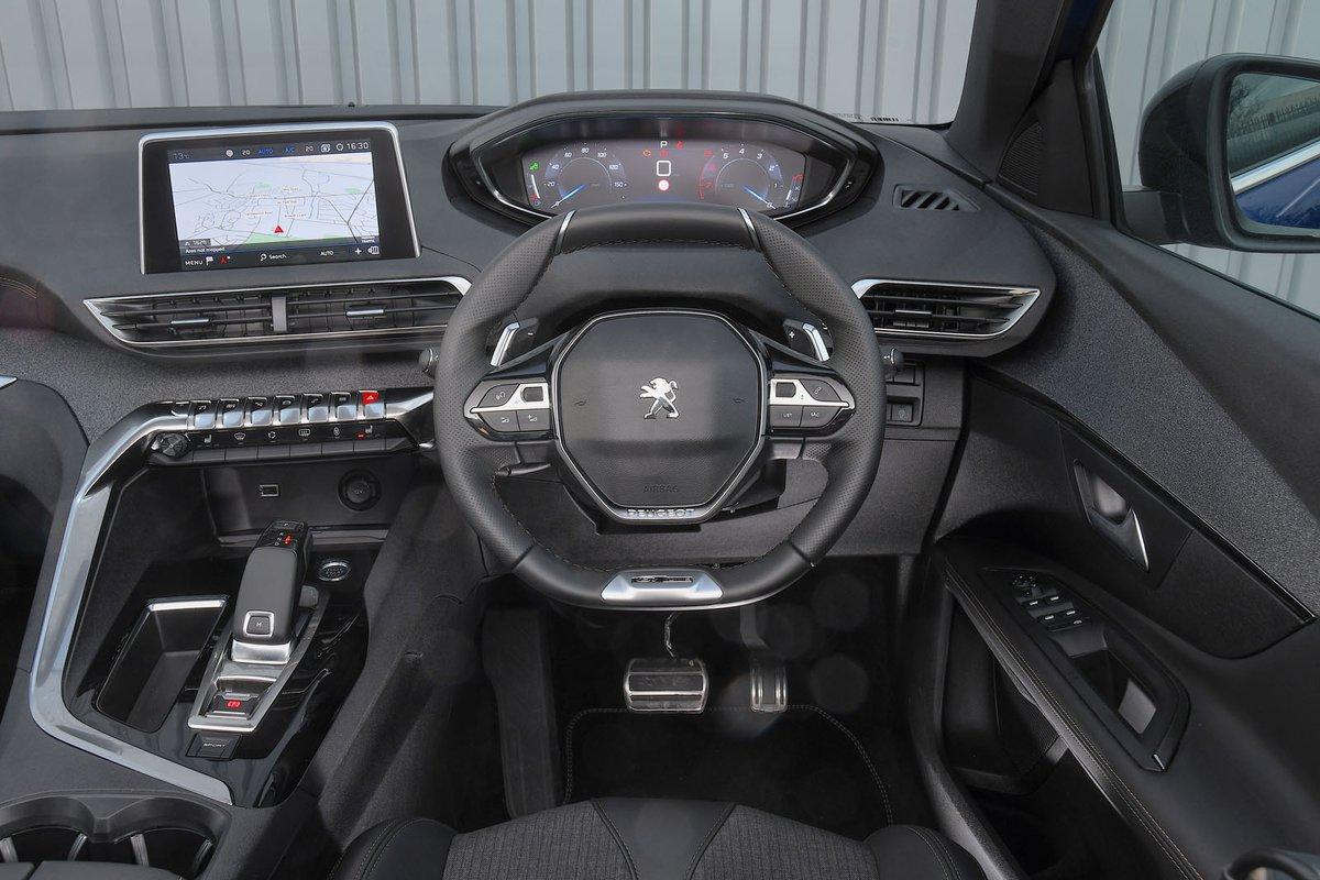 Peugeot 3008 2019 RHD dashboard