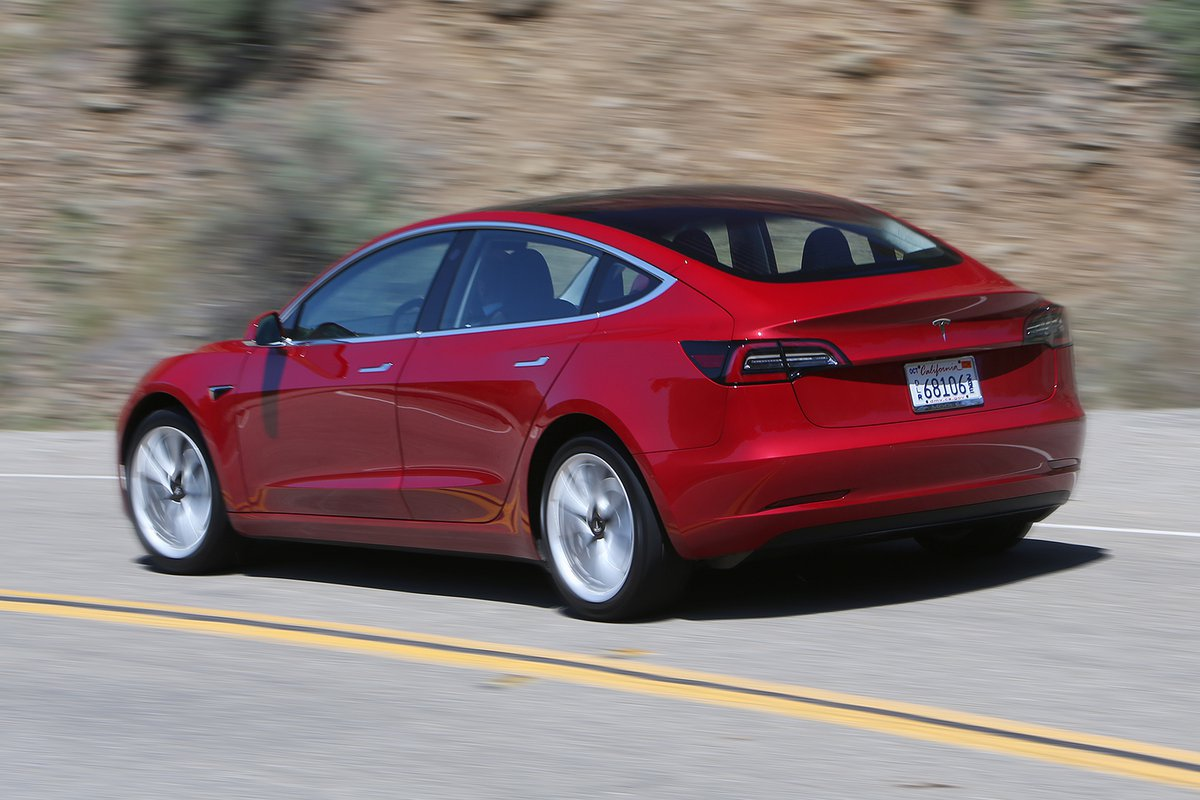 Tesla Model 3 2019 rear cornering shot