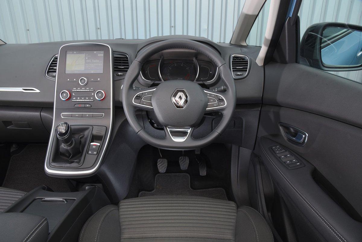Renault Grand Scenic 2019 RHD dashboard