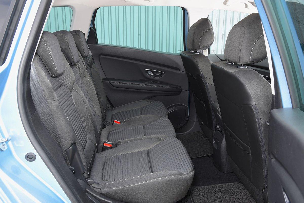 Renault Grand Scenic 2019 rear seats