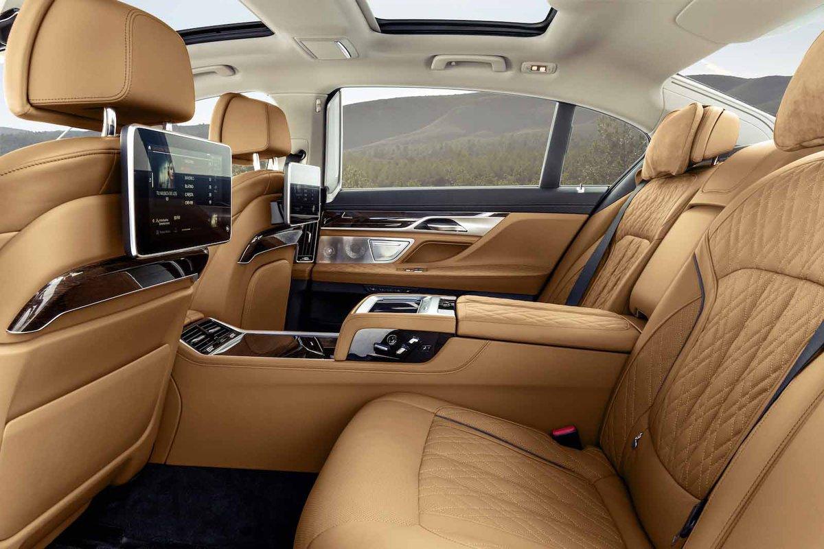 BMW 7 Series 2019 rear seats