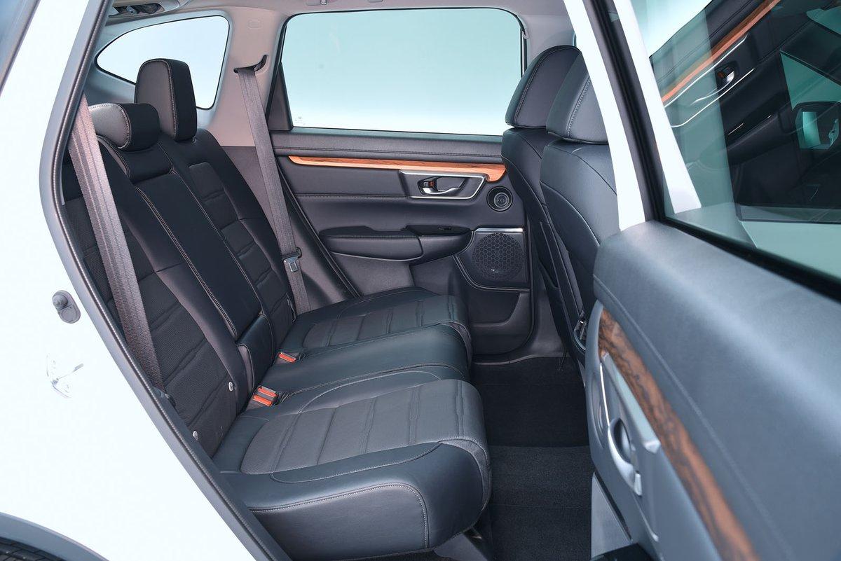 Honda CR-V 2019 rear seats