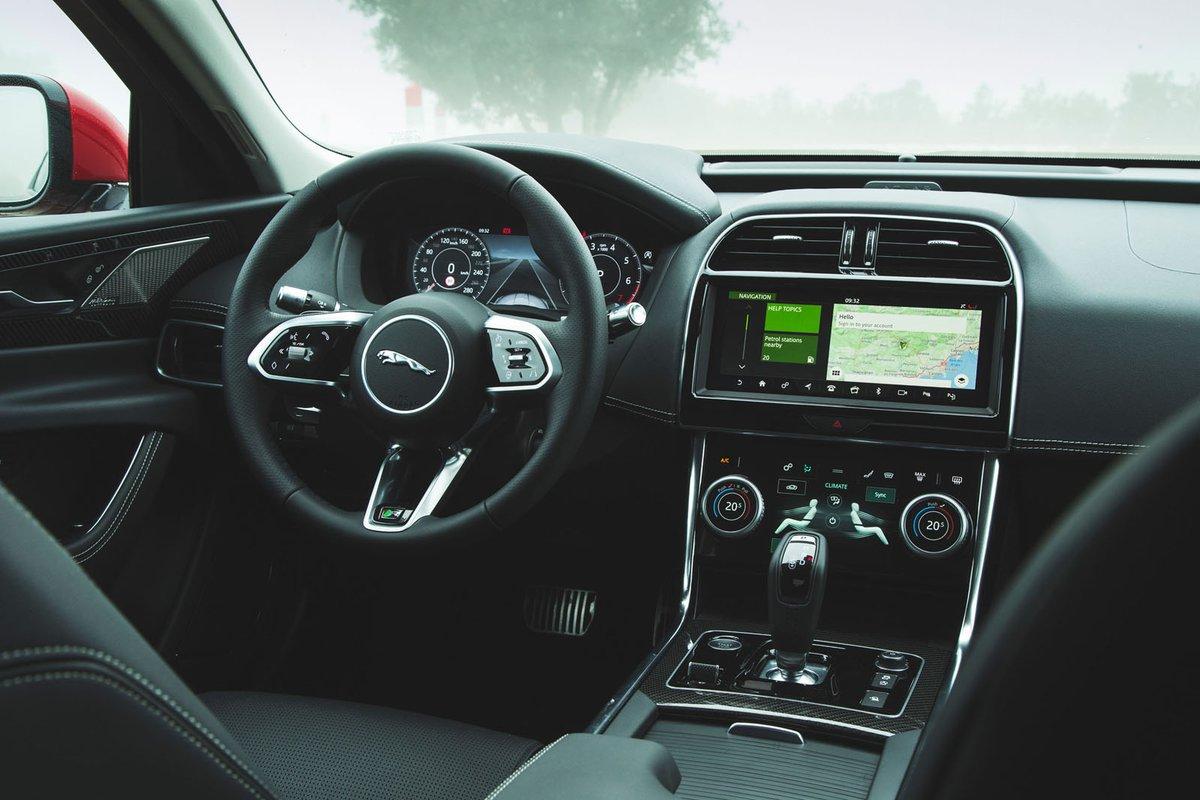 Jaguar XE 2019 LHD dashboard