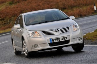Used Toyota Avensis saloon 2009-2015
