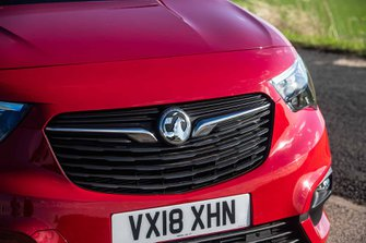 Vauxhall Combo Life 2019 front grille detail