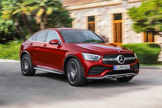 Mercedes GLC Coupe 2019 facelift front urban tracking