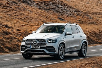 Mercedes GLE 2019 front left tracking shot