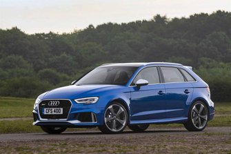 Audi RS3 RHD distant front tracking