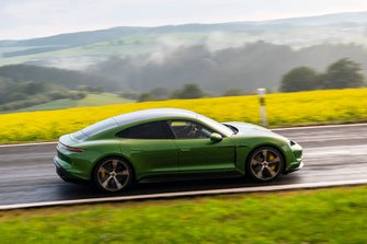 Porsche Taycan 2019 LHD right hand panning