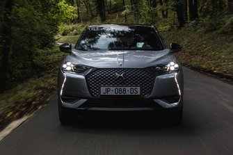 DS 3 Crossback E-TENSE 2019 LHD head-on tracking