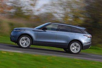 Land Rover Range Rover Velar 2019 left panning