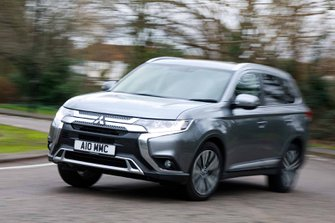 Mitsubishi Outlander 2020 RHD wide front left cornering
