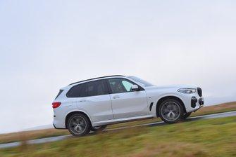 BMW X5 2020 RHD right panning