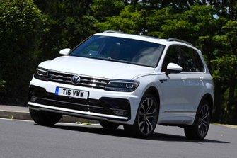 Volkswagen Tiguan 2019 front cornering shot