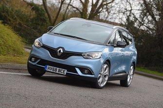 Renault Grand Scenic 2019 front cornering shot
