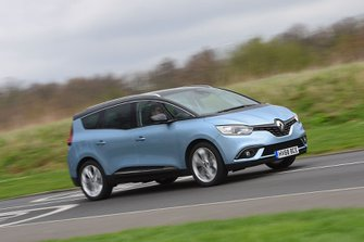 Renault Grand Scenic 2019 right front tracking