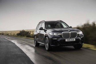 BMW X7 2019 UK head on cornering