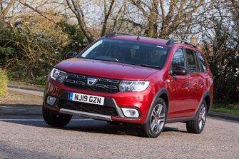 Dacia Logan MCV Estate 2019 front left cornering shot