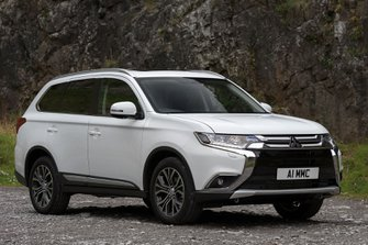 Mitsubishi Outlander front right static