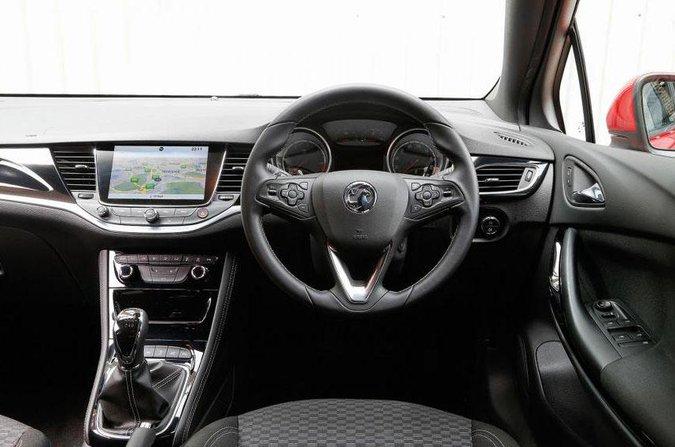 Vauxhall Astra 2015 - presente